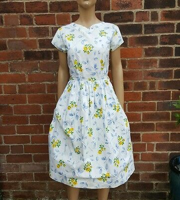 50s/60s Vintage Yellow Roses Floral Print Full Skirt Dress. (Rockabilly/Novelty)