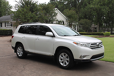 2012 Toyota Highlander  One Owner Perfect Carfax Great Service History Tech Pkg 3rd Seat