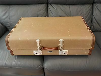 LRG SUITCASE CASE LUGGAGE BY REVELATION  VINTAGE OLD 40s 50s COLLECTABLE STORAGE