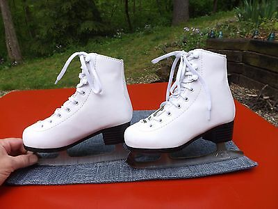 American Athletic Shoe Girls White Tricot Lined Figure Ice Skates Size 1 New