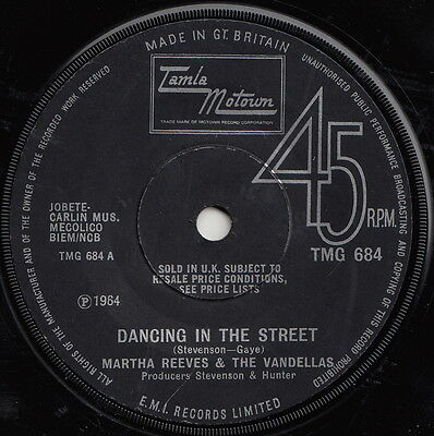 Martha And The Vandellas  Dancing In The Street  Huge Motown Anthem!!