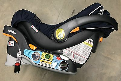 Chicco Keyfit 30 Magic Infant Car Seat, Black/Grey in excellent condition