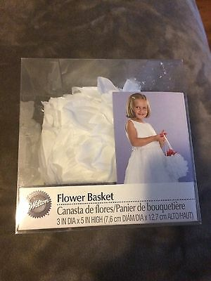 Wilton White Flower Basket