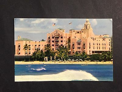 Vintage Postcard ROYAL HAWAIIAN HOTEL Waikiki Beach, Honolulu, Hawaii