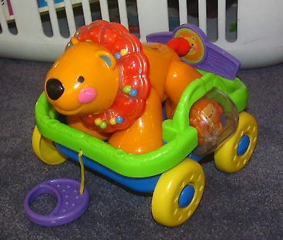 FISHER PRICE AMAZING ANIMALS SING & GO TRAIN LION AND CART choo-choo CLICK TOY