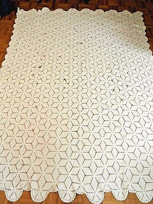 """Antique White Hand Crochet Star Pattern tablecloth 71"""" x 93"""" scalloped edge Nice"""