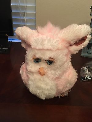 Vintage Original FURBY PINK AND WHITE WORKS GREAT BY TIGER