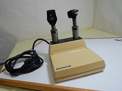 WELCH ALLYN Otoscope 25020A Ophthalmoscope 11720 Diagnostie Center 71150 Charger