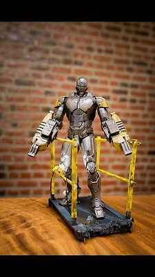 Hot Toys Iron Man Striker Mark 25
