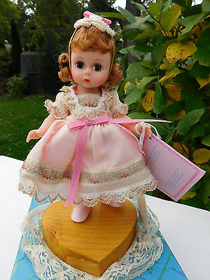 """Madame Alexander 1994 Collectors United """"LOVE"""" In original box and Special Stand"""