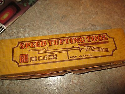 NIP  Vintage SPEED TUFTING TOOL For WALL HANGING/RUG MAKING w/Catalog - 1975
