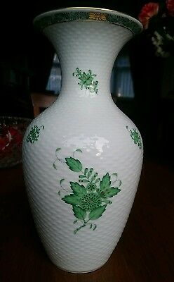 "Herend Fine Porcelain Chinese Bouquet Green Vase,basket Weave,10"" Tall.exc Cond"