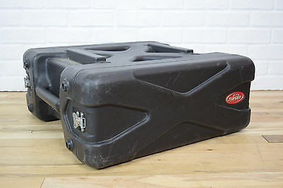 SKB 4 space deluxe equipment rack excellent-used rack for sale