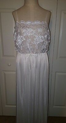 "Vintage White UnderCover Wear Nightgown Bridal gown L Large 70s lace 38"" bust"