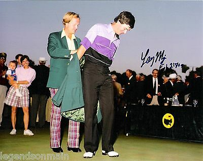 Larry Mize Masters Golf Tournament Winner Signed 8x10 Pholo Comes With COA