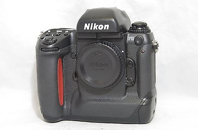Nikon F5 35mm SLR Film Camera Body Only SN3050021 from Japan