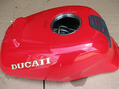 Ducati 750 900 Ss 900Ss 750Ss Supersport 1993-1998       Fuel Petrol Tank In Red