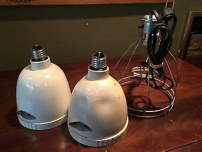 2 Vintage DARK ROOM LIGHTS Yankee Brand PHOTO SAFE 117 Volt 15 WATT MAX