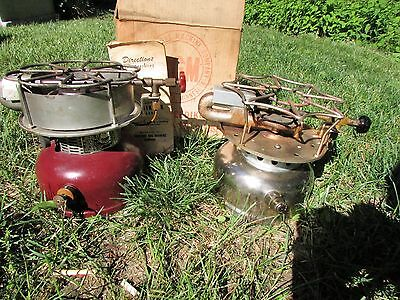 Coleman 500 Stove and AGM SPEEDIKOOK No. 6206 with box and manuel.