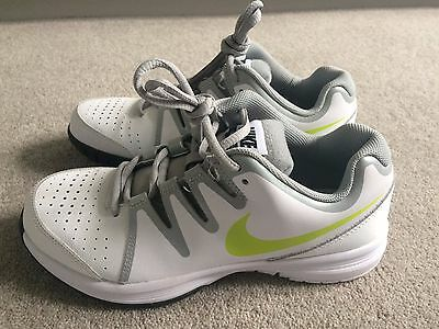 Nike Tennis Shoes Size 3.5 / US 4Y