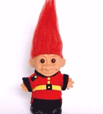 "Russ Troll 5"" red hair England palace guard Trolls Around the World vintage toy"