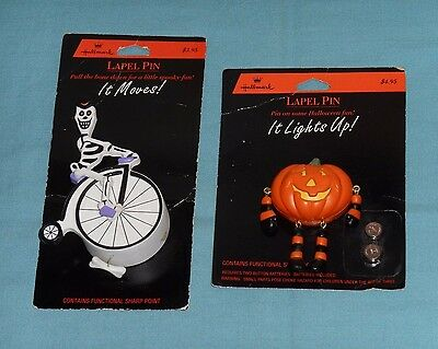 vintage Hallmark HALLOWEEN LAPEL PIN LOT x2 light-up pumpkin, action skeleton