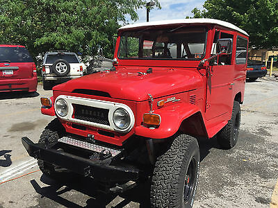 1974 Toyota Land Cruiser FJ-40 Toyota FJ40, FJ-40 Land Cruiser - RED with Hardtop and extra Soft Doors - Great!
