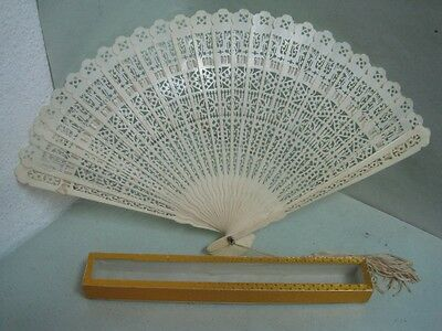 Antique chinese fan Hand Carved