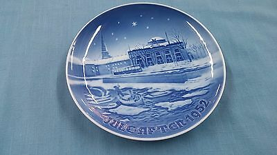 * Vintage B & G Bing & Grondahl Christmas Collector Plate Jule After 1952 *