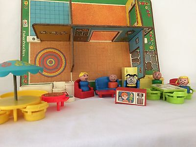 Vintage Fisher Price Little People House 909 Rooms Very Good