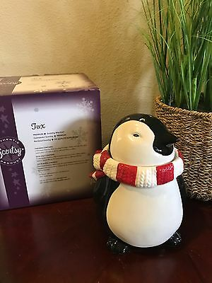 scentsy warmer Tux
