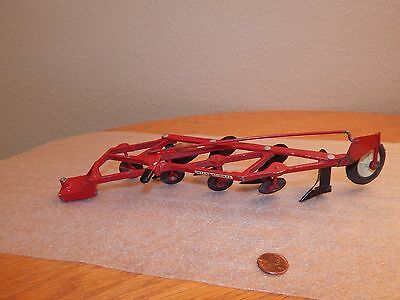 Ertl 1/16 Scale International 4 Bottom Furrow ~ Semi Mounted Plow ~ Farm Toy