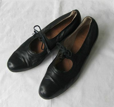 VINTAGE LEATHER TAP SHOES, 1930s, kid leather, size 37 (UK size 4)