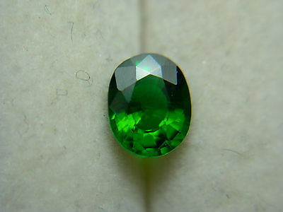 rare Top Emerald Green Tsavorite Garnet Gemstone gem Tsavo Kenya oval 0.60ct