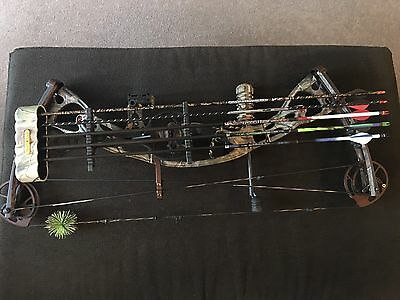 Hoyt Rampage XT Compound Bow With Arrows
