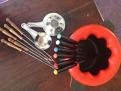 Red Cast Iron Fondue Set with 6 forks Red + extra