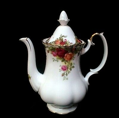 """ROYAL ALBERT  """"Old Country Roses""""  Coffee Pot (Large Size)  Very Good Condition"""