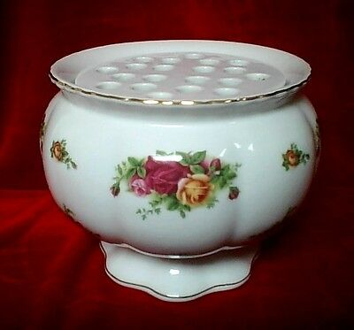 "ROYAL ALBERT ""Old Country Roses""  Large Jardinere/Rose bowl  Original Box"