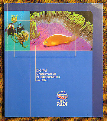 NEW PADI Digital Underwater Photographer Manual in English
