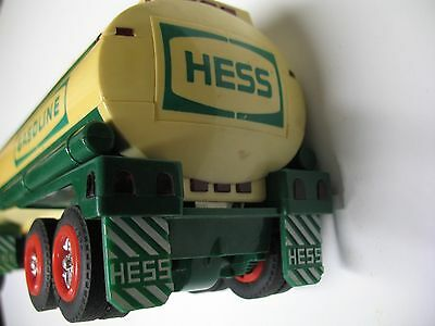 1990 Amerada Hess Gasoline Truck Tanker Fuel Oil Toy white body yellowed