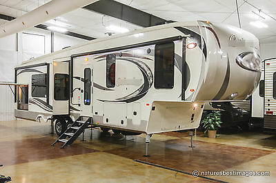New 2017 366RL Rear Living Room 4 Season Luxury 5th Fifth Wheel Never Used