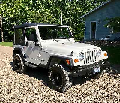 1998 Jeep Wrangler SW SEW 1998 JEEP WRANGLER - LOW MILEAGE 4X4 5 SPEED - RUNS & DRIVES 100% MUST SEE!!!