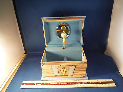 """RARE Looney Tunes Spinning Tweety """"I Taut I Taw A Puddy Tat"""" Jewelry Music Box"""