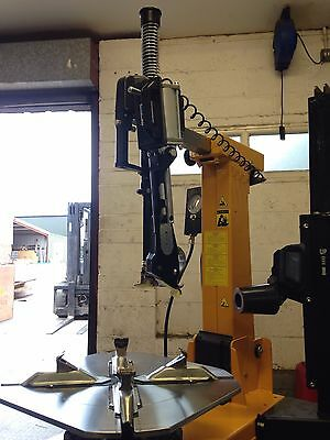 BRAND NEW Hofmann LEVERLESS Tyre Changer & Wheel Balancer Package For Sale
