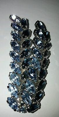 Vintage blue rhinestone brooch prong silver tone setting Julianna style