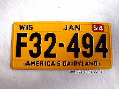 1954 WISCONSIN Wheaties Cereal License Plate # F32-494
