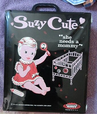 SUZY CUTE Doll Case, 4 Dolls, Clothing & Accessories Circa 1960 -VERY good shape