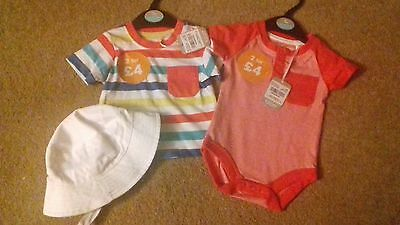 BRAND NEW - BUNDLE OF BOYS CLOTHES -  0-3 MONTHS - box 2