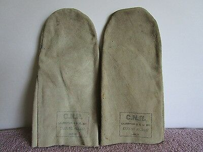 Vintage Pair Of Cnr (Canadian National Railway) Work Mitts/gloves-Size Large