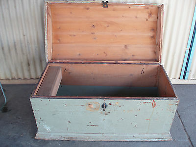 PINE CHEST TRUNK ANTIQUE BLANKET BOX   GERMAN 1800s WOODEN DOMED